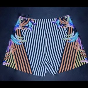 Mid Rise Crazy Tropical Striped Short